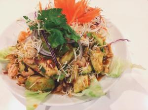 食べログの国内タイ料理ランキングで第2位 バーン・タム ヤムアボカド
