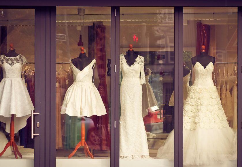 cc4d648e10a18 結婚式に着たいドレスが着れない!?ウェディングドレス選びの失敗談