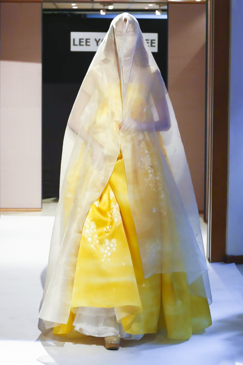 Lee Young Hee, Couture Collection Fall Winter 2016 in Paris